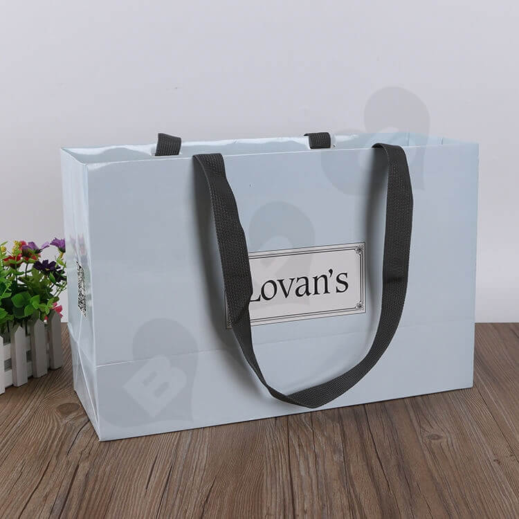 Color Printed Cardboard Shopping Bag For Shoe side view one