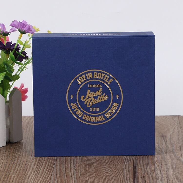 Custom Printed Magnetic Closure Gift Box For Medal side view two