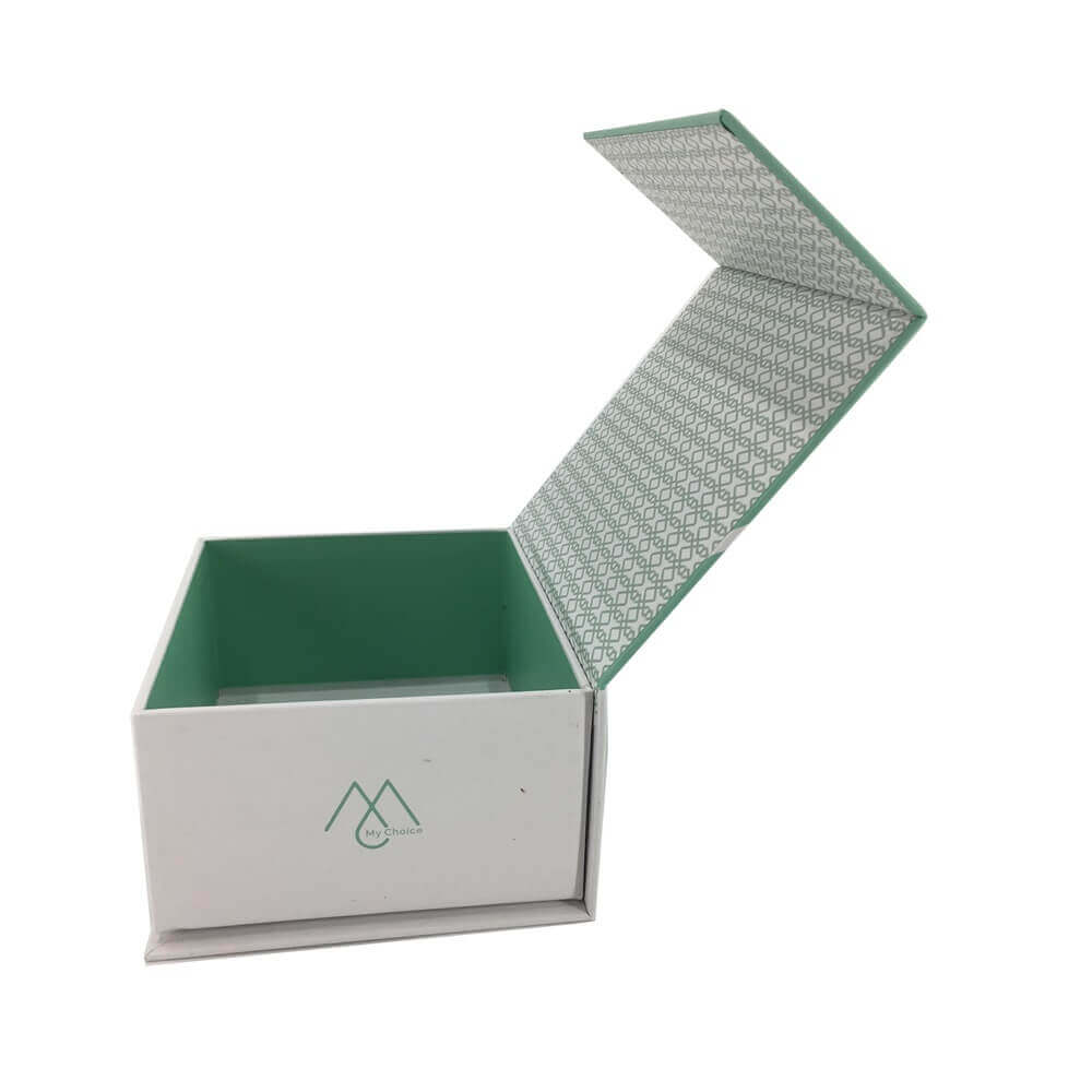 Rigid Box With Magnetic Lid sideview five