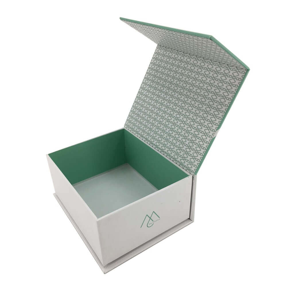 Rigid Box With Magnetic Lid sideview four