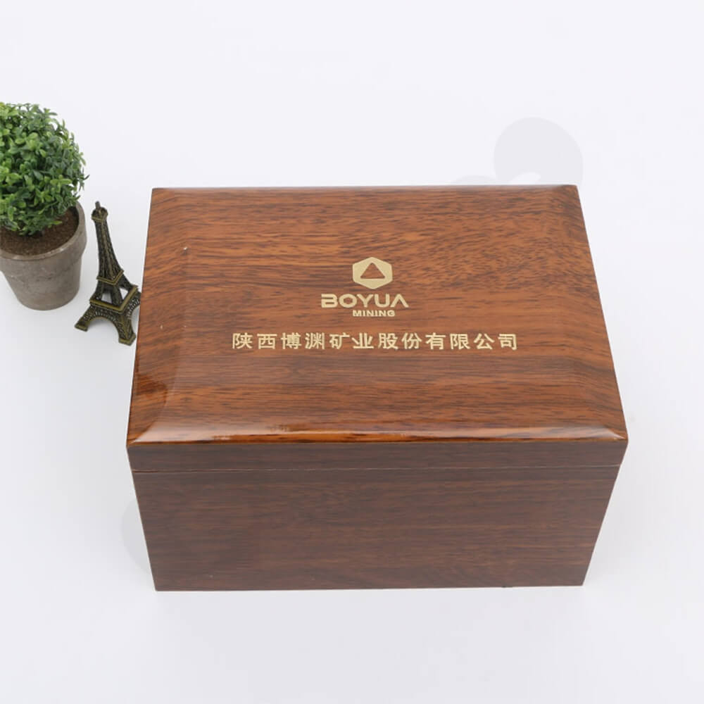 Logo Foil Stamping Wooden Watch Box Side View Four